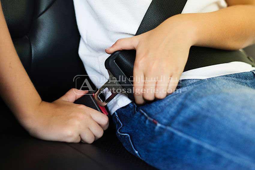سلامة أحزمة السيارة