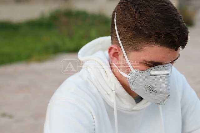 الكمامة تحد من انتشار العدوى بكوفيد 19