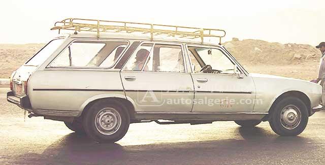 Peugeot-504-familiale